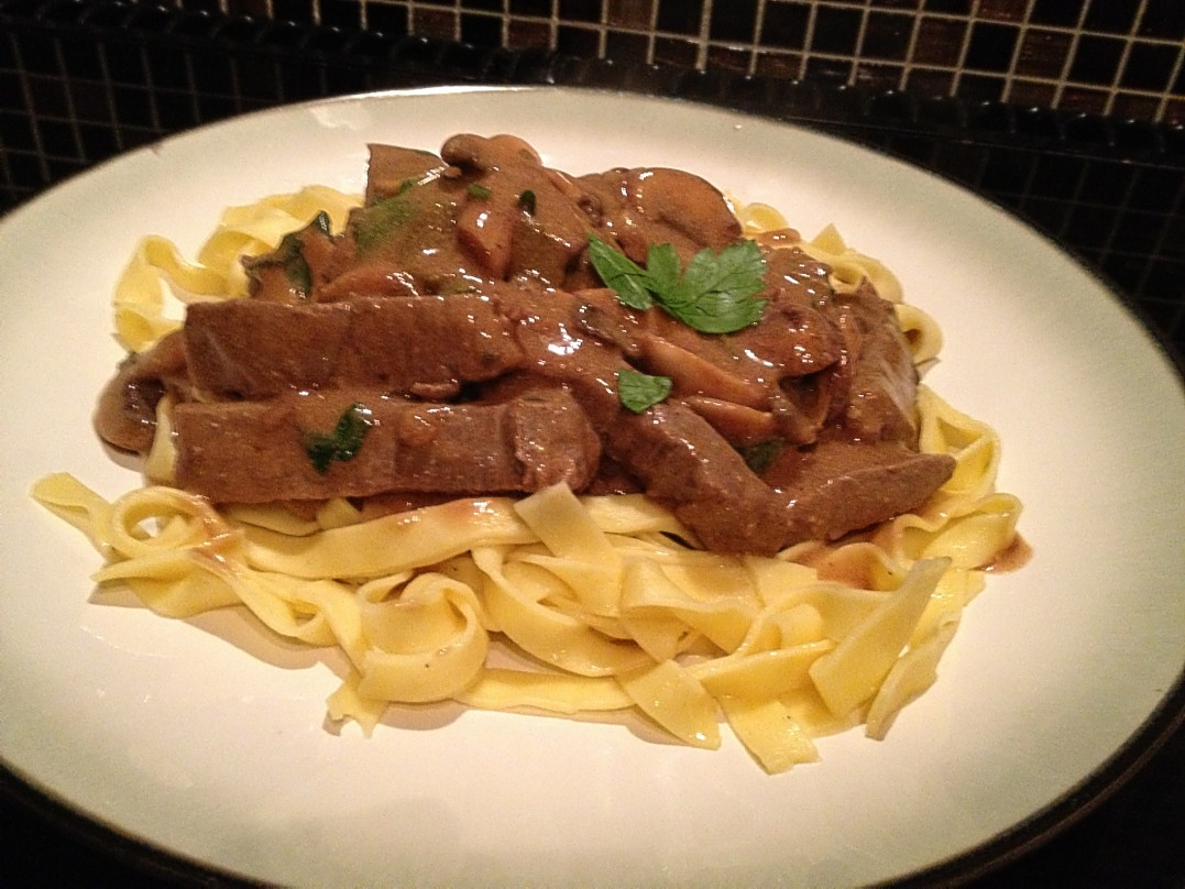 how to keep sour cream from curdling in beef stroganoff